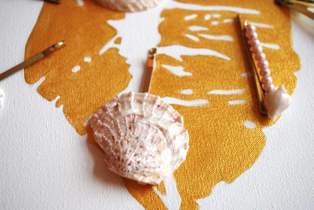 seashell hairclips